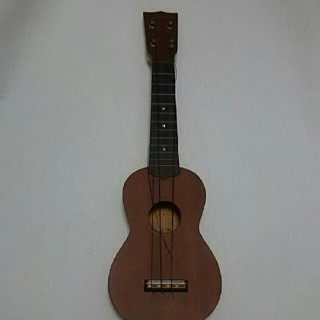 ウクレレ アラモアナ UK-160  弦が切れています(ソプラノウクレレ)
