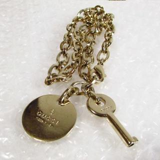グッチ(Gucci)のグッチ プレート&鍵 バッグチャーム ゴールド ペットの首輪にも♪(チャーム)