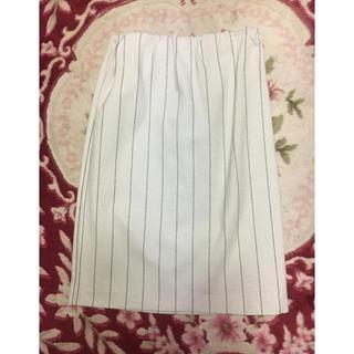 イネド(INED)の IND Eのスカート(ひざ丈スカート)