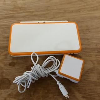 ニンテンドー2DS(ニンテンドー2DS)の2DS   L L本体と充電器セット(携帯用ゲーム本体)
