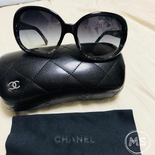 5e33757c21f0 シャネル(CHANEL)のCHANEL(シャネル) サングラス ココマーク グレーグラデーション 黒(