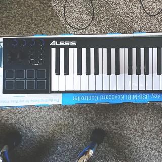 【ORMI様専用】ALESIS v49(MIDIコントローラー)