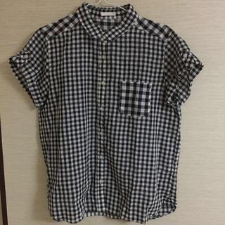 ジーユー(GU)の新品✨g.u.  シャツ(シャツ/ブラウス(半袖/袖なし))