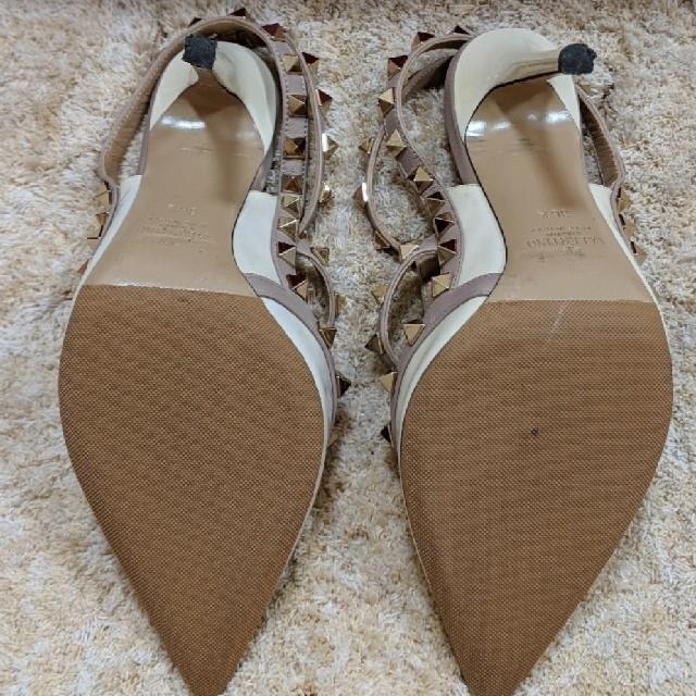 VALENTINO(ヴァレンティノ)のhanitan様 ヴァレンティノ ロックスタッズ パンプス レディースの靴/シューズ(ハイヒール/パンプス)の商品写真