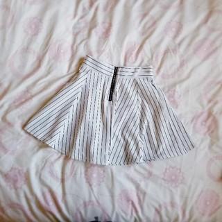 ゴージ(GORGE)のジップ付きフレアスカート(ひざ丈スカート)