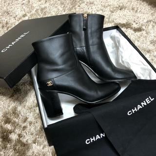 シャネル(CHANEL)の【美品】CHANEL ショートブーツ 正規品(ブーツ)