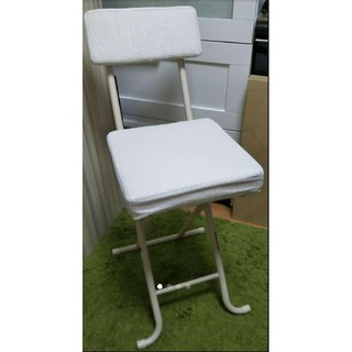 ニトリ(ニトリ)の[美品]ニトリ折り畳み椅子(ホワイト)(折り畳みイス)