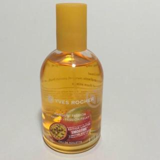 イヴロシェ(Yves Rocher)のほぼ新品✨ イヴロシェ マンゴー&パッションフルーツ オードトワレ(香水(女性用))