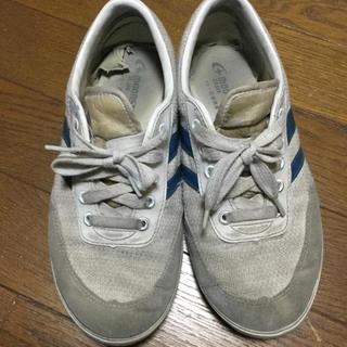 女子の上靴(スクールシューズ/上履き)