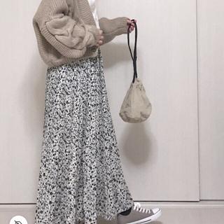 シマムラ(しまむら)のコハナガラ ケシプリーツスカート M ホワイト(ロングスカート)