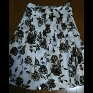 アマカ(AMACA)のAMACA 花柄スカート(ひざ丈スカート)