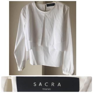 サクラ(SACRA)の美品!新品未使用 SACRA ホワイト カットソー 長袖(シャツ/ブラウス(長袖/七分))