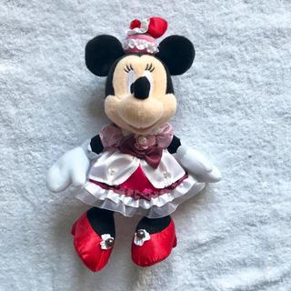 ディズニー(Disney)のテーブルミニーマウスビックぬいぐるみバッジ(キャラクターグッズ)