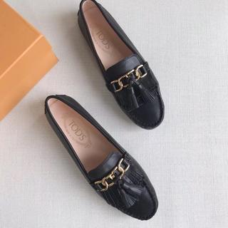 トッズ(TOD'S)のTOD'S 牛革 37サイズ ブラック ローファー(ローファー/革靴)