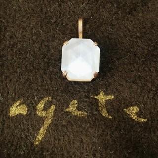 agete - アガット 白蝶貝とクォーツのK10ネックレスチャーム