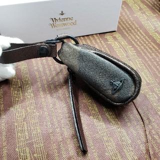 ヴィヴィアンウエストウッド(Vivienne Westwood)の新品箱付きヴィヴィアンウエストウッドコインケース兼用3連キーケース(キーケース)