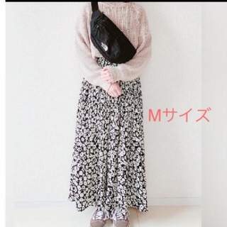 しまむら - プチプラのあやさん着用★しまむら★小花柄プリーツスカート★新品★ケシプリーツ
