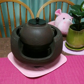 鉄瓶 (茶釜?) 未使用ですが長期自宅保管品、錆びている箇所があります。(金属工芸)