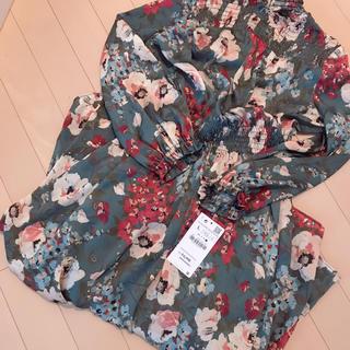 ZARA - 新品 zara フラワー柄ワンピース 花柄