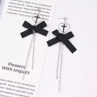 イートミー(EATME)の♥✝︎ cross heart black ribbon pierce .(ピアス)