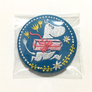 リトルミー(Little Me)のムーミン 刺繍ブローチコレクション 刺繍缶バッジ 水色(バッジ/ピンバッジ)