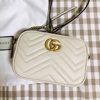 グッチ(Gucci)のGUCCI GGマーモント ショルダーバッグ(ショルダーバッグ)