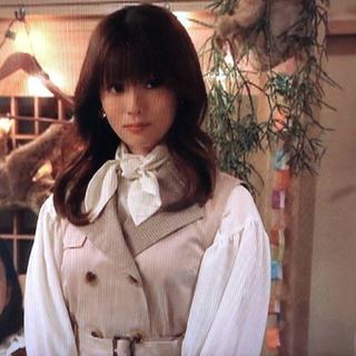Andemiu - はじこい 深田恭子さん着用 ノースリトレンチワンピース ベージュ 深キョン 衣装