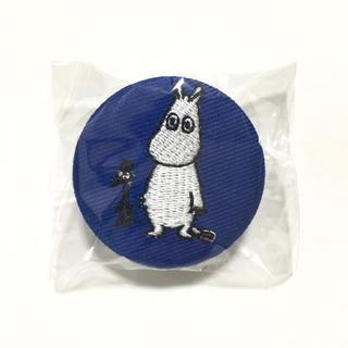リトルミー(Little Me)のムーミン ソフス 刺繍クリップ 缶バッジ 青色(バッジ/ピンバッジ)