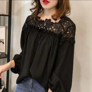 【最終セール】未使用   肩レーストップス  ブラック 韓国ファッション