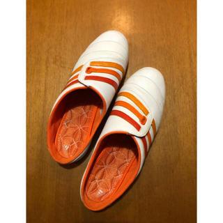アディダス(adidas)のadidas レディーススニーカースリッポンミュール24.5cm(スリッポン/モカシン)