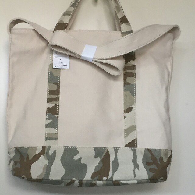 しまむら(シマムラ)の【送料込み】しまむら 2way トートバッグ カモフラ 迷彩 レディースのバッグ(トートバッグ)の商品写真