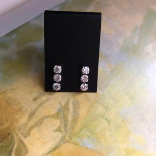 デビアス(DE BEERS)の最終価格 18金WG ダイヤモンド ピアス 1.11ct(ピアス)