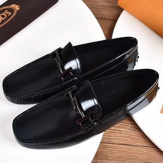 トッズ(TOD'S)の人気品 TODS  靴 ドレス サイズ43 黒い(ドレス/ビジネス)
