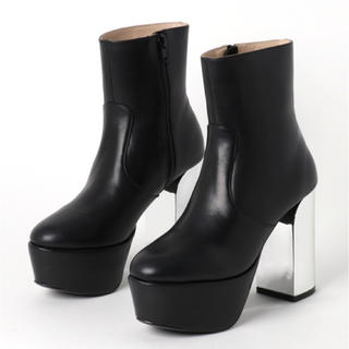 ジーヴィジーヴィ(G.V.G.V.)のG.V.G.V. PLATFORM ANKLE BOOTS(ブーツ)