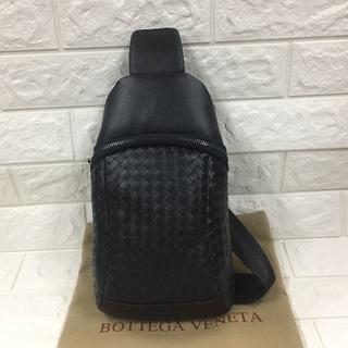 Bottega Veneta - ボッテガヴェネタ メンズ ブラック ボディバッグ 斜め掛け