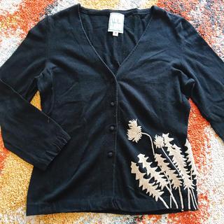 シビラ(Sybilla)のシビラ カーディガン  たんぽぽ模様の刺繍入り(カーディガン)
