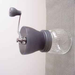 ハリオ(HARIO)のコーヒーミル■ハリオ■ガラスボトル用蓋付き■手動・臼式■使用浅(電動式コーヒーミル)