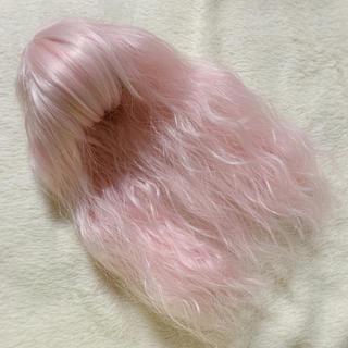 ネオブライス ウィッグ ウェーブピンク色