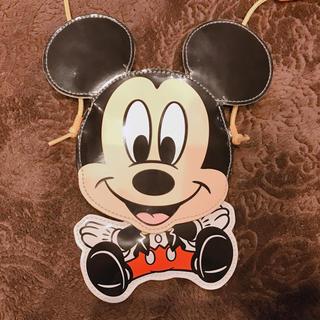 ディズニー(Disney)のミッキー パスポートケース(パスケース/IDカードホルダー)