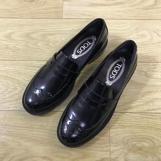 トッズ(TOD'S)の送料込TOD'S ローファー/革靴 サイズ38 ブラック(ローファー/革靴)