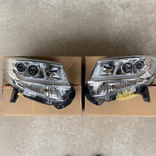 ダイハツ(ダイハツ)のタントカスタム LA600S ヘッドライトユニット 左右セット(車種別パーツ)