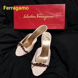 サルヴァトーレフェラガモ(Salvatore Ferragamo)のフェラガモFerragamo💗チェーンミュール(ミュール)