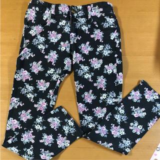 オリンカリ(OLLINKARI)のオリンカリ  花柄パンツ(パンツ/スパッツ)