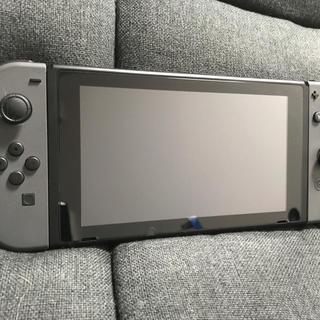 ニンテンドースイッチ(Nintendo Switch)の任天堂Switch スイッチ グレー 極美品 スマブラ付(家庭用ゲーム本体)