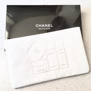 CHANEL - SKINCARE CHANELクラッチポーチ 白 箱入り