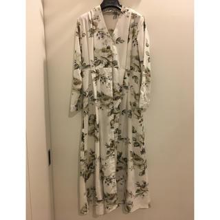 ZARA - ワンピース 花柄 フラワー ロング ボタニカル ホワイト