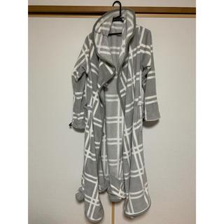 ニトリ 着る毛布 足ポケ付き グレー Mサイズ