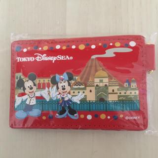 ディズニー(Disney)のディズニー パスケース&チャームセット(名刺入れ/定期入れ)