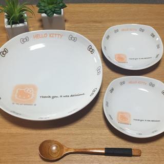 ハローキティ(ハローキティ)のハローキティ 大皿、小皿のセット(食器)