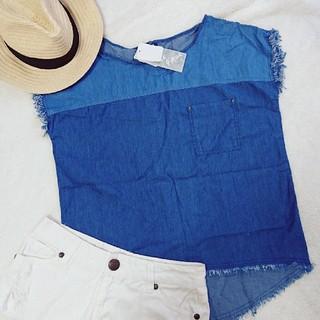 シマムラ(しまむら)の新品タグ付き インスタ人気 デニムフリンジトップス 胸ポケット オーバーサイズT(Tシャツ(半袖/袖なし))